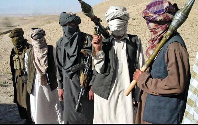 """Фото: місцева влада звинувачує у вибухах в Афганістані угрупування """"Талібан"""""""