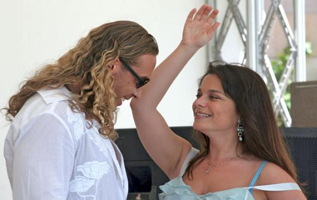 Фото: Тарзан и Наташа Королева (delfi.lv)