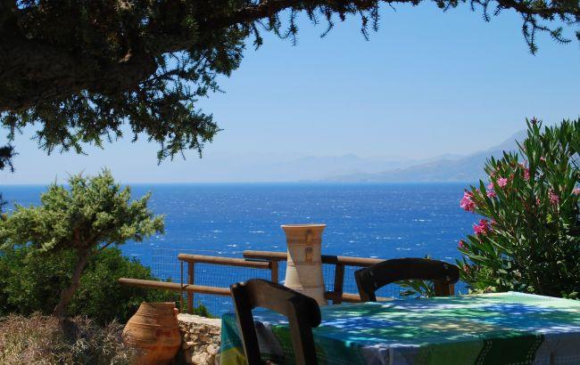 Курортный сезон растянется до зимы. На островах Греции продолжается рекордный наплыв туристов