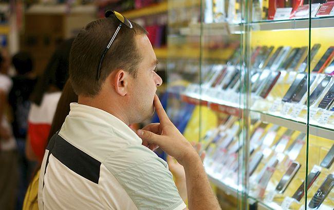 Фото: оператори зв'язку роками підтримують непрофільний бізнес з продажу смартфонів