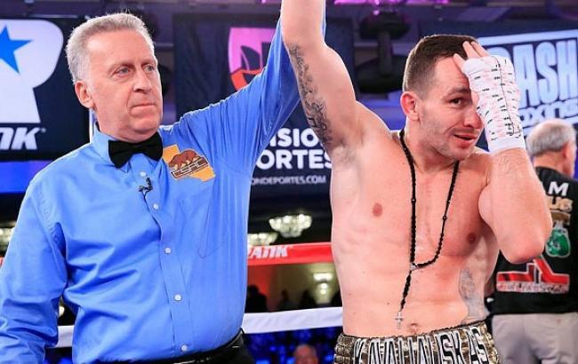 Фото: Перемогу Тесленко присудили рішенням рефері (