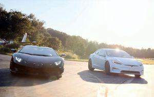 Найпотужніша Tesla Model S кинула виклик екстремальній версії суперкара Lamborghini Aventador