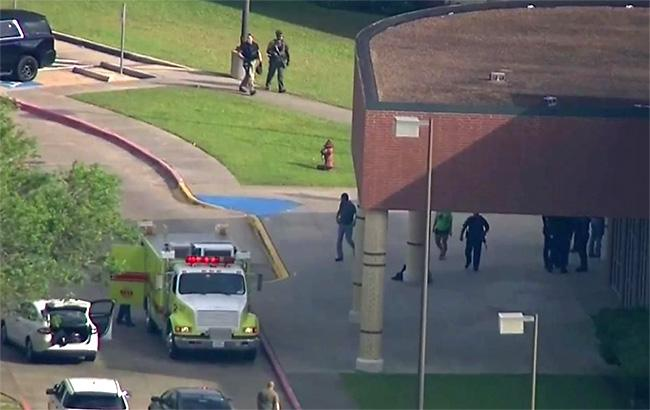 Фото: стрілянина в Техасі (twitter.com/theadvocatebr)