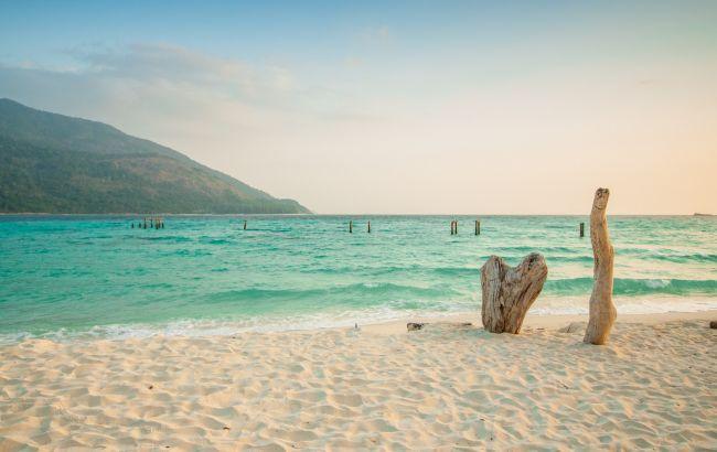 Отменяют чартеры: еще одна курортная страна вскоре откажется принимать туристов