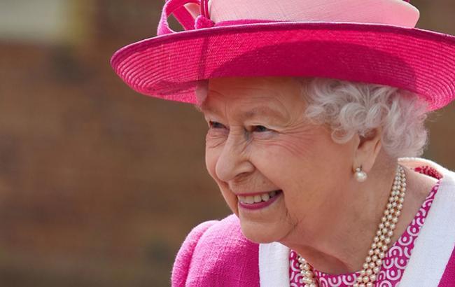 Єлизавета II стала прабабусею в сьомий раз