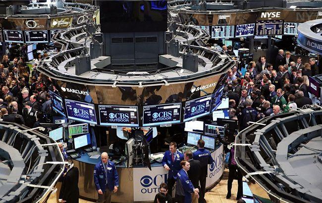 Украинские пенсионные фонды начали покупать акции Apple, Microsoft и Tesla
