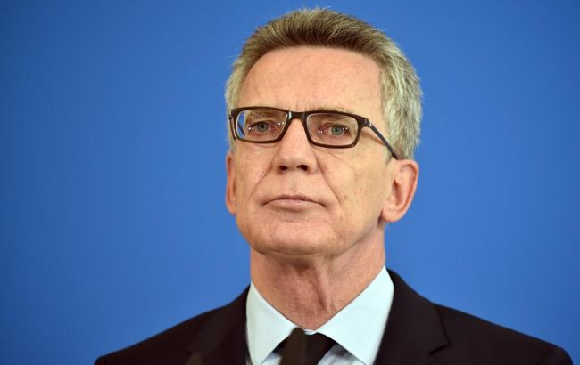 Фото: министр внутренних дел Германии Томас де Мезьер