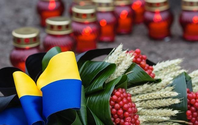Фото: День пам'яті жертв голодомору (focus.ua)
