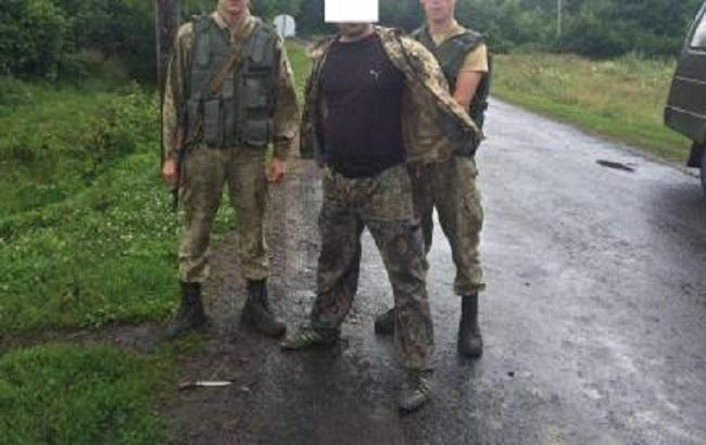 Фото: задержание нарушителя границы (пресс-центр ГПСУ)