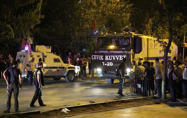 Фото: турецкая полиция задержала подозреваемого в причастности к взрыву