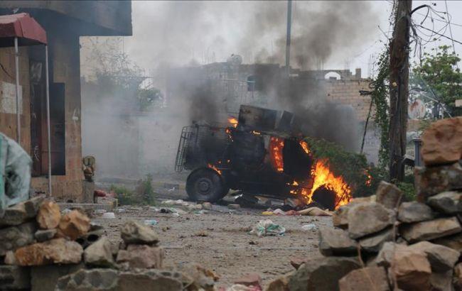 В Ємені смертник підірвався у військовому таборі, десятки жертв