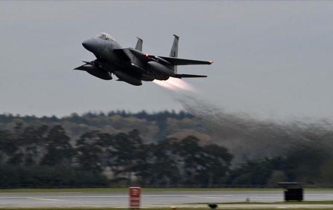 Фото: взлет самолета на авиабазе Инджирлик