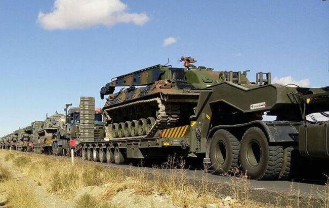 Фото: Турция стягивает военную технику к границе с Ираком