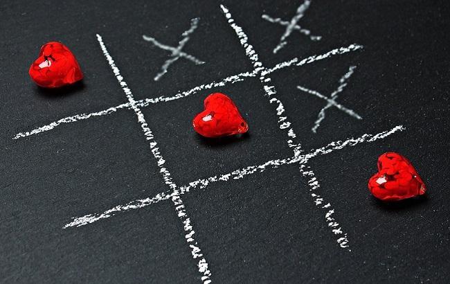 Тельцы насладятся романтичной ночью, а Скорпионам нужна изюминка в отношениях: любовный гороскоп на 3 сентября