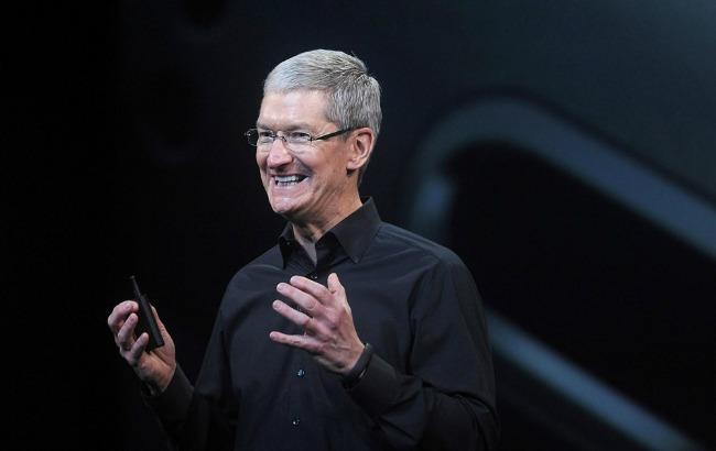 Фото: Apple запатентувала складаний смартфон з гнучким екраном (uploadvr.com)