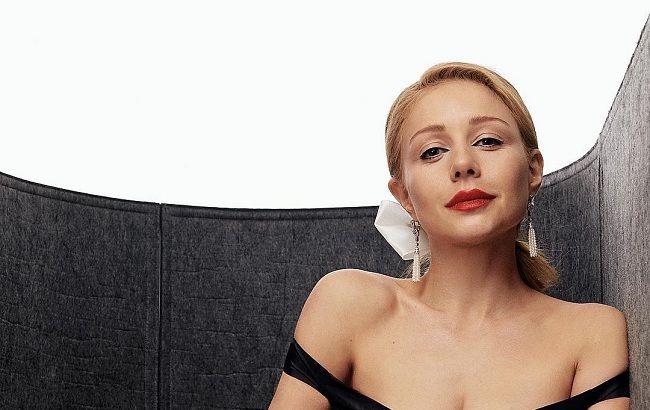 """""""Погляд прямо в душу"""": Тіна Кароль підкорила ніжним фото без макіяжу"""