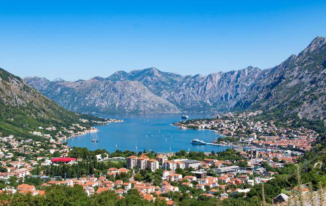 Чистые пляжи и тихий отдых: когда лучше всего планировать отпуск в Черногории