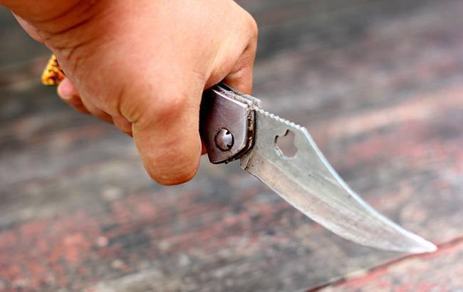 Приехали: в киевской маршрутке пьяный мужчина пырнул ножом пассажира
