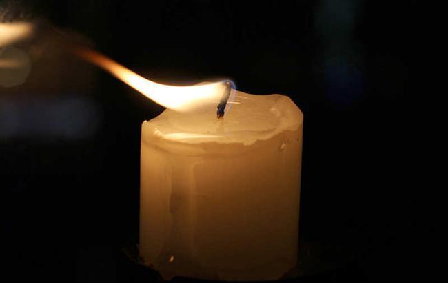 У Хмельницькій області поховали військового, який загинув при пожежі під Миколаєвом