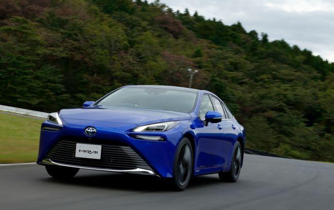 Toyota хочет отказаться от пластика в своих автомобилях и уже придумала ему замену