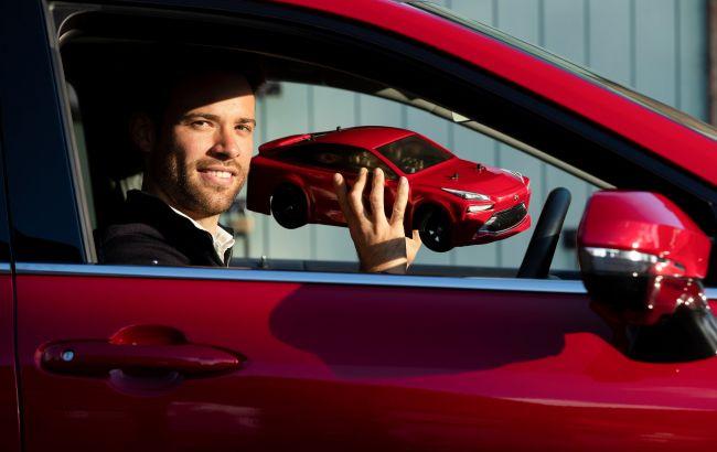 Toyota показала найкомпактніший водневий автомобіль, який поміститься в рюкзак