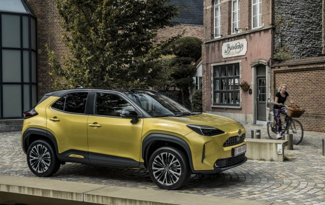 Теперь и Yaris Cross: в Украине стартуют продажи нового компактного кроссовера Toyota