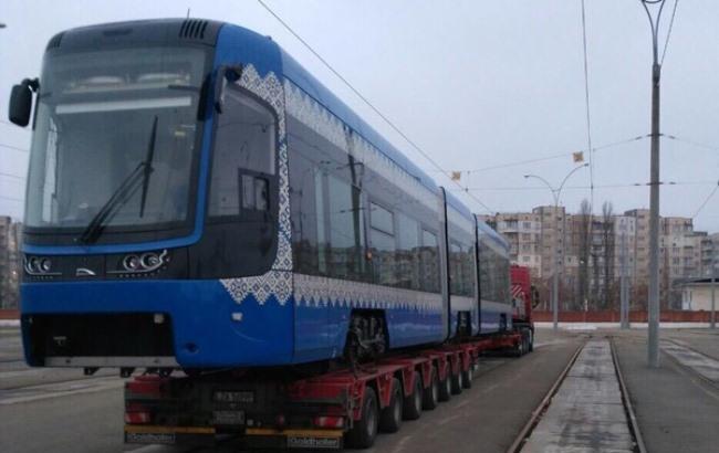 Фото: Швидкісний трамвай kievcity.gov.ua)