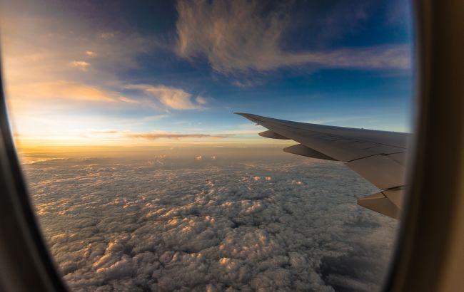 """Європа """"на паузі"""": авіакомпанії скасовують рейси з України до весни"""