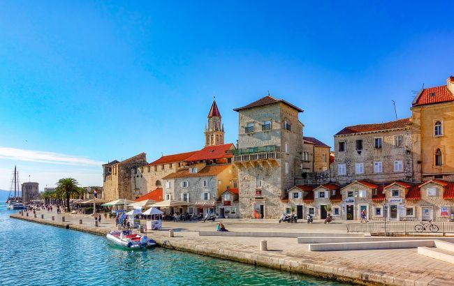 В Хорватии все больше новых случаев COVID-19: безопасно ли ехать в отпуск в эту страну
