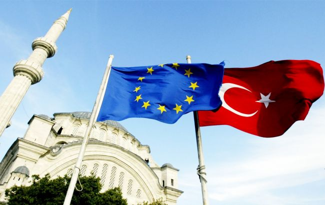 Фото: главы МИД Германии и Люксембурга отвергли идею австрийского канцлера о прекращении переговоров по членству Турции в ЕС