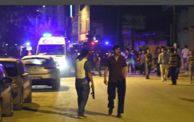 Фото: подозреваемого в организации взрыва в Турции доставили в полицейский участок