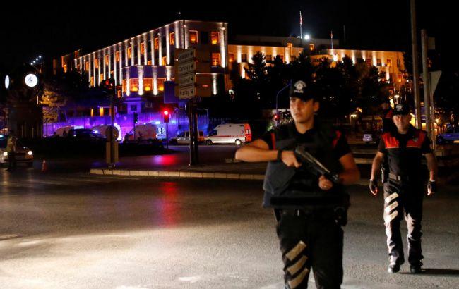 В Турции за день уволили 4 тыс. госслужащих