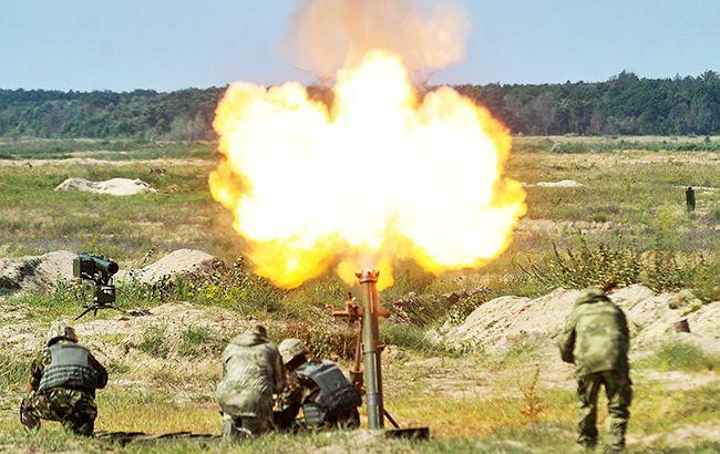 За добу бойовики 10 раз обстріляли позиції українських військових, - штаб АТО