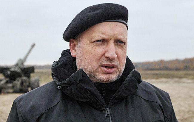 За пять лет войны на Донбассе погибли 13 тыс. украинцев, - Турчинов
