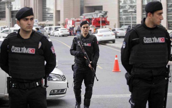 Фото: полиция Турции задержала журналистов западных СМИ