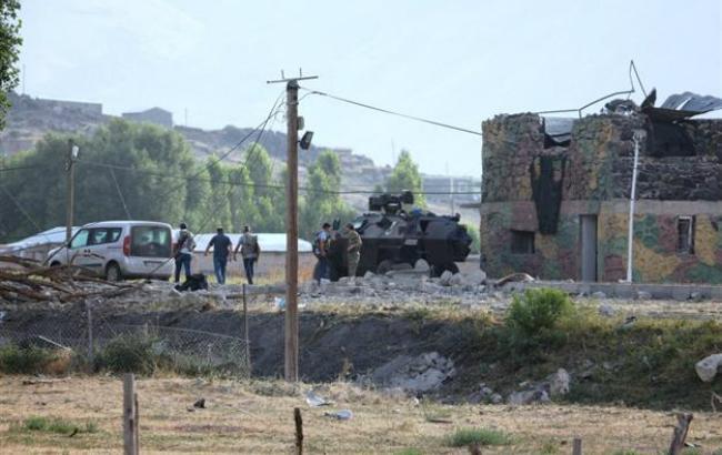 В результате взрыва в Турции погибли 2 человека, 31 получили ранения
