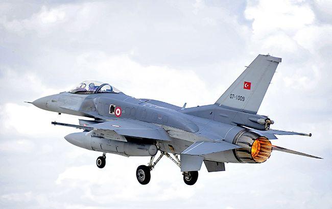 Греция перехватила четыре истребителя Турции
