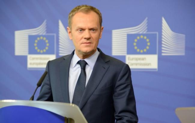 Туск погодив з Меркель і Олландом продовження санкцій проти Росії