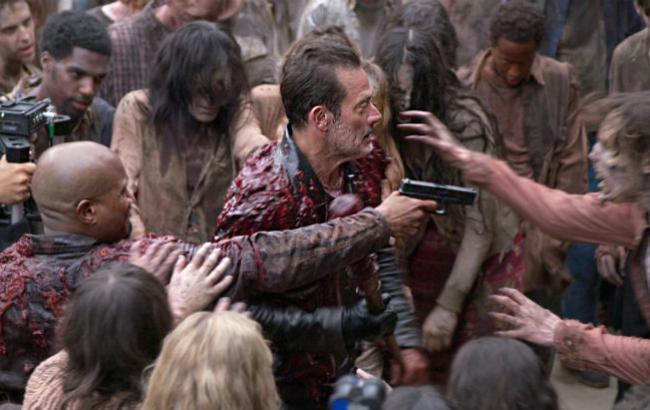 """Фото: кадр із серіалу """"Ходячі мерці"""""""