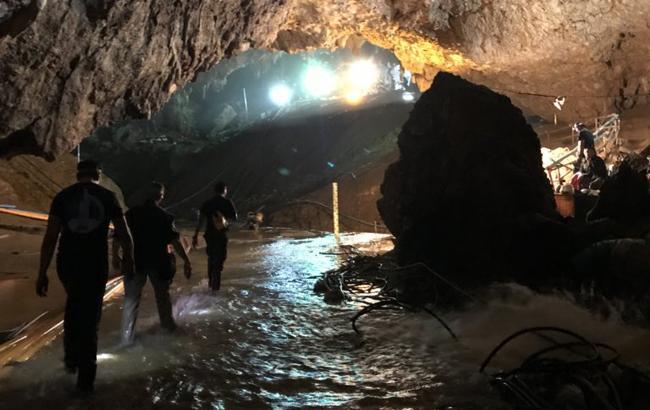 В Таиланде предоставили гражданство троим детям, которых спасли из затопленной пещеры