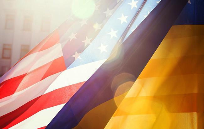 Фото: прапори США та України (twitter.com/poroshenko)