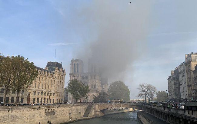 У Парижі горить Собор Паризької Богоматері