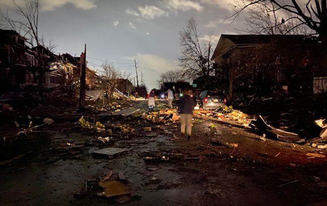 Кількість жертв торнадо в США різко зросла, Трамп їде в зону лиха