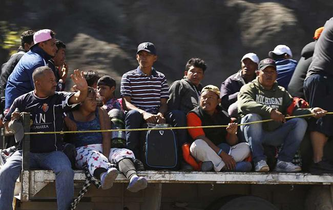 К границе США прибыли около 400 беженцев из Центральной Америки