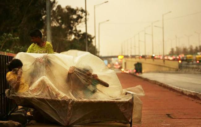 Фото: песчаная буря в Индии (twitter.com indianexp)