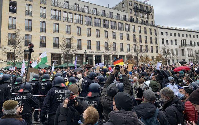 У Берліні на протестах затримали майже 200 людей, є постраждалі