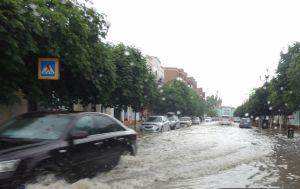 В окупованому Криму введено режим НС через сильні зливи і підтоплення