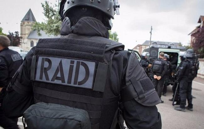 Французька поліція оточила лікарню в Дюнкерку через загрозу вибуху