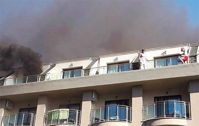 Фото: пожежа в готелі в Туреччині (twitter.com-MilliyetGundem)