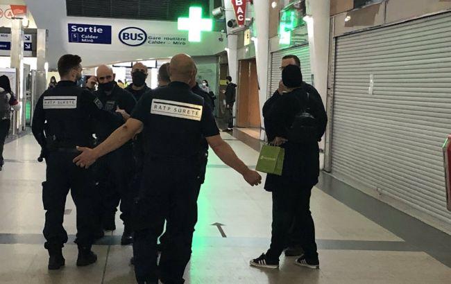 Под Парижем проходит полицейская спецоперация, эвакуируют людей из ТРЦ